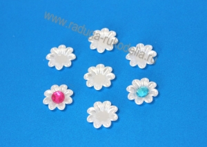 """Кабошон """"Цветок"""", 18 мм с выемкой для бусины 8мм, белый"""