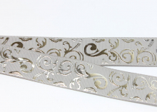 Репсовая лента Завитки серебро на сером, 22 мм