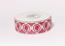 Репсовая лента Ученица камея, красная на белом, 25 мм