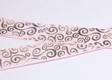 Репсовая лента Светло-розовая, завитки круглые серебро, 25 мм