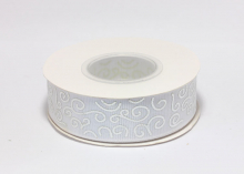Репсовая лента Белая Завитки круглые серебро, 25 мм