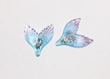 Пластиковая подвеска Хвост с блестками, Голубой градиент, 35х29 мм