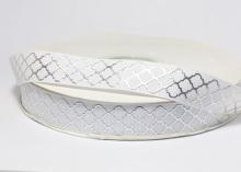 Репсовая лента белая, ромбы серебро. 22 мм